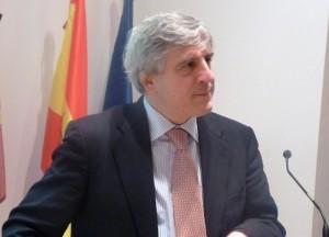 Dr. López Barneo durante la conferencia